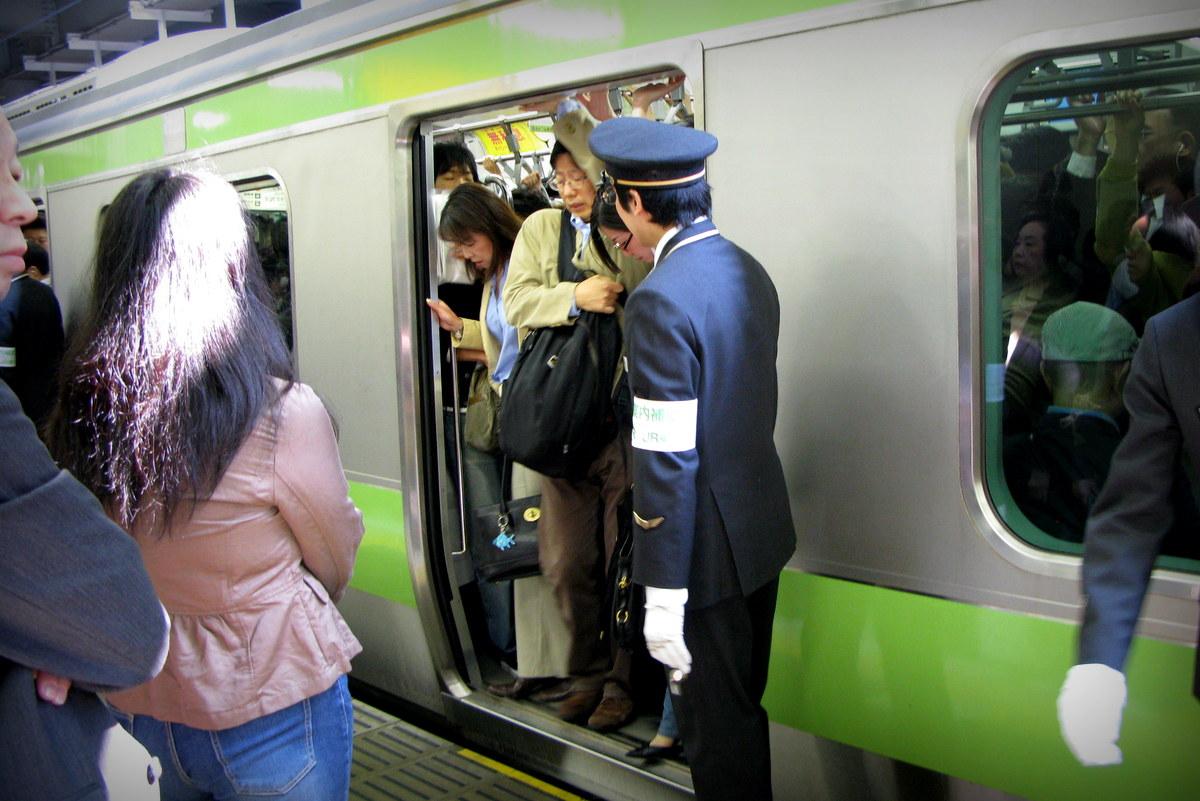 Смотреть ролики японцы в метро 7 фотография