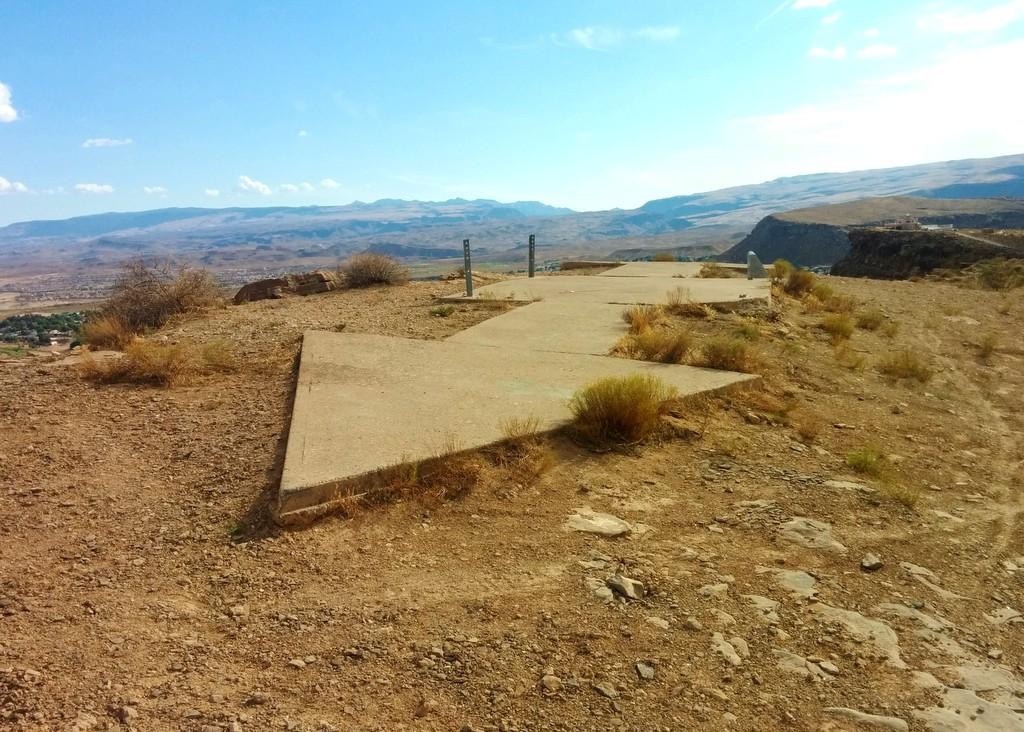 Огромные бетонные стрелки в США: что означают и для чего предназначены