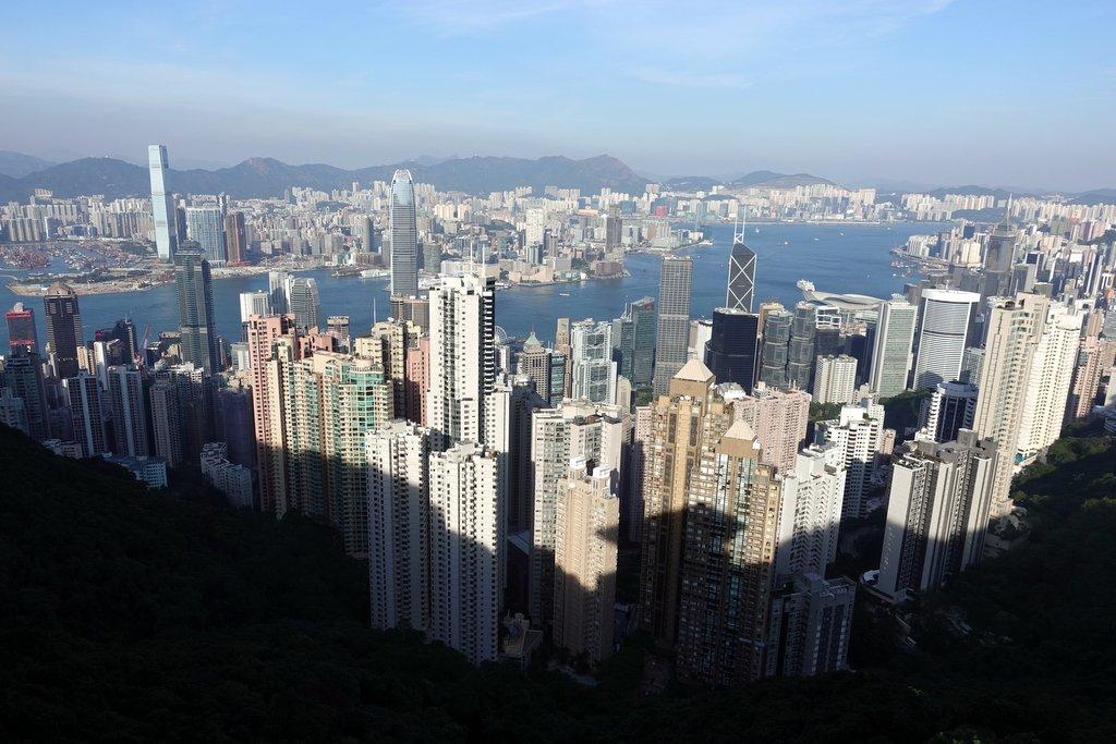 Гонконга много не бывает