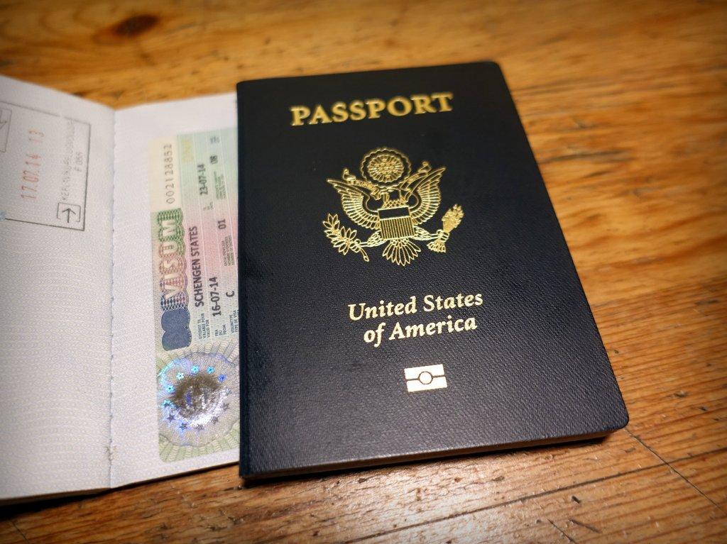 Европарламент хочет отменить американцам безвизовый въезд!