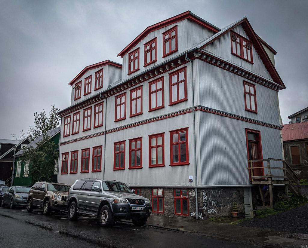 Исландия: домики из профлиста